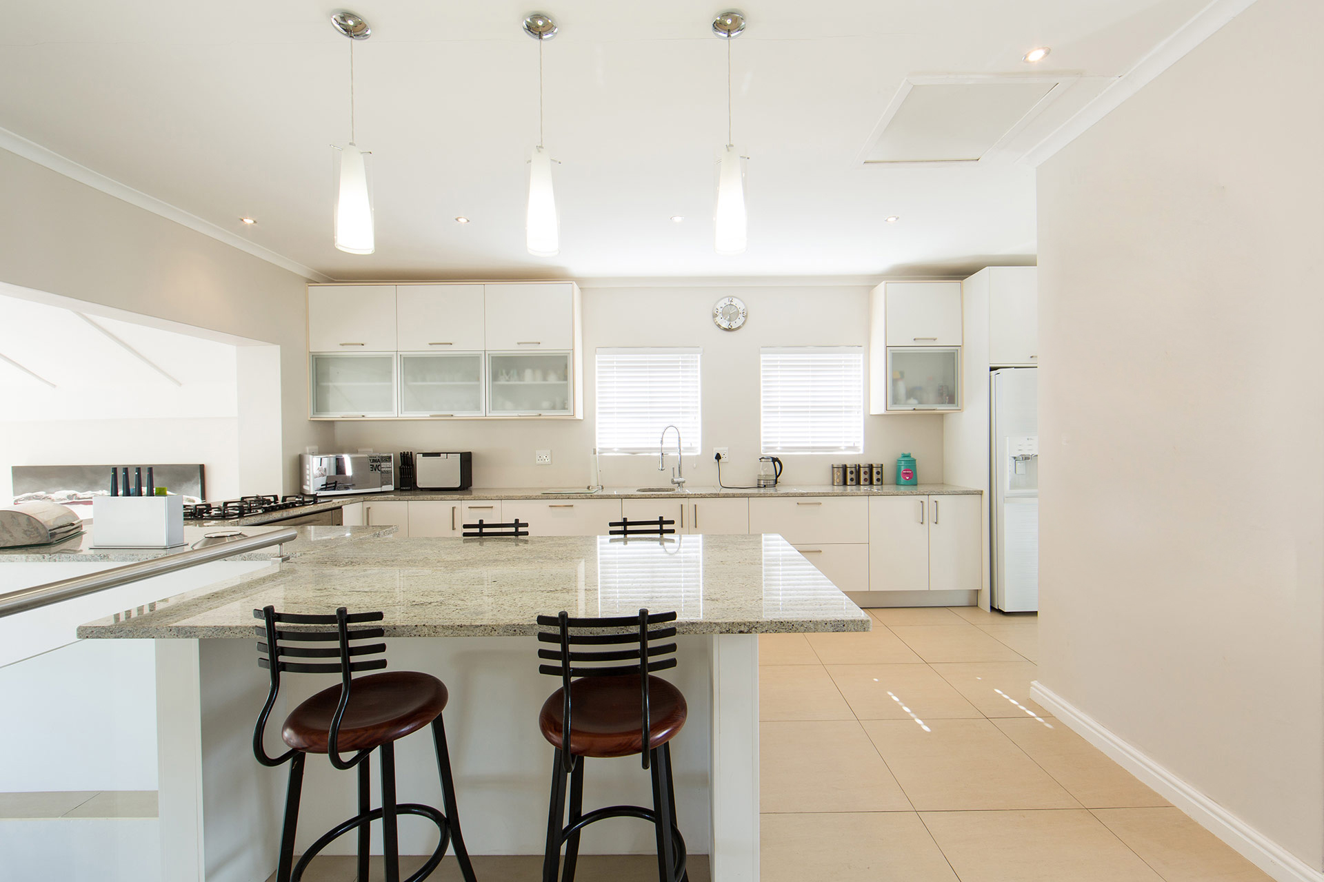 New kitchen renovations in cape town essential kitchens for Kitchen renovations cape town
