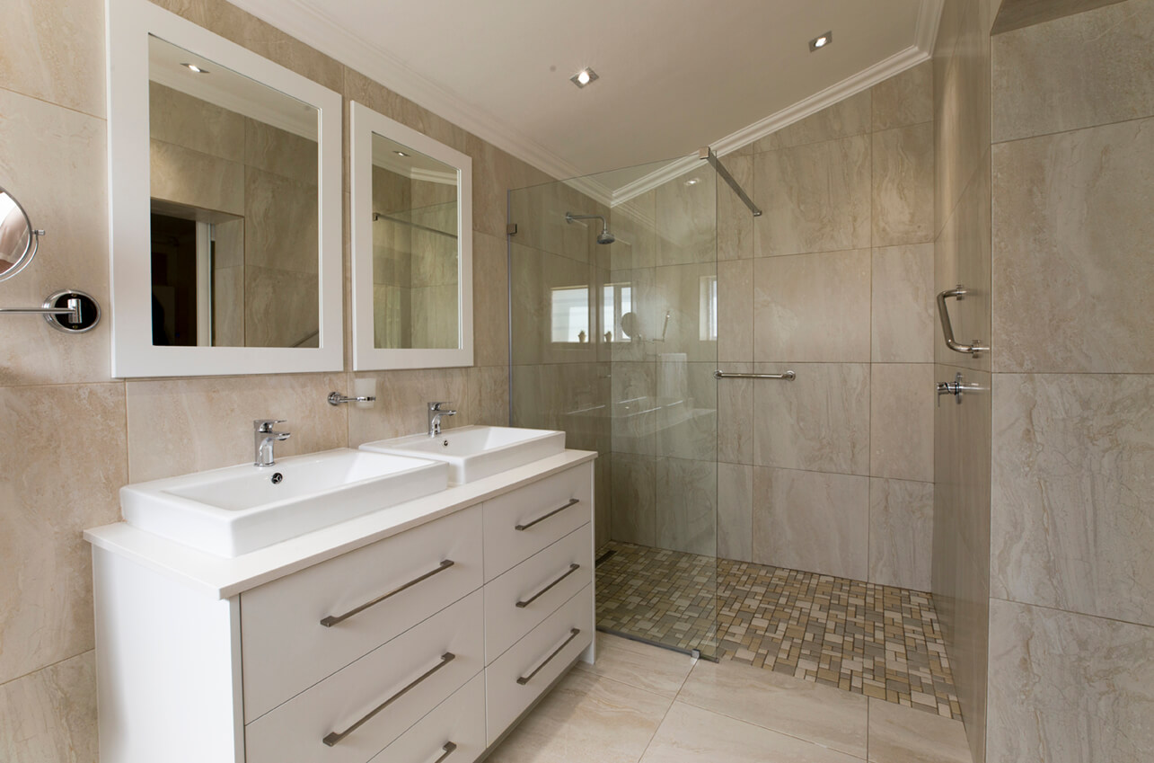 Bathroom renovations in cape town essential kitchens for Essential kitchens and bathrooms