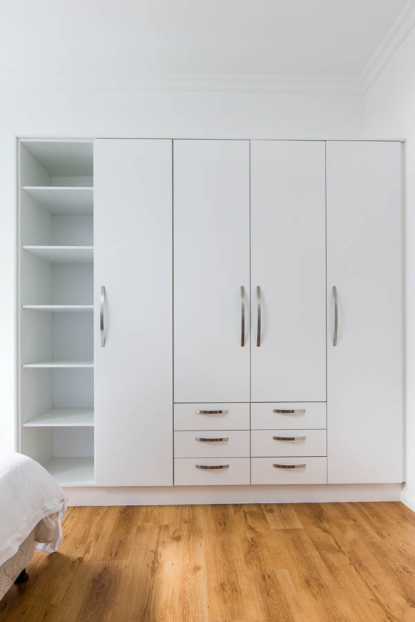 Bedroom cupboards essential kitchens - Kitchen built in cupboards designs ...
