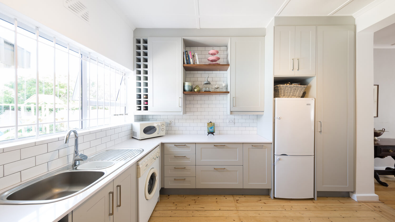 Folkstone Grey Pvc Wrap Essential Kitchens